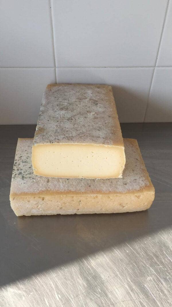 Taglio di formaggio piastra ideale per cottura